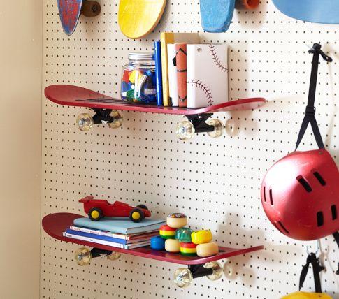 skateboard.plank