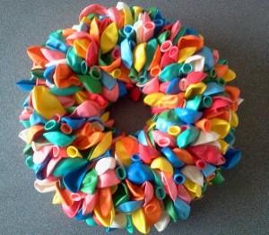 Wat maak jij van een krans gespot voor jou for Ballonnen versiering zelf maken